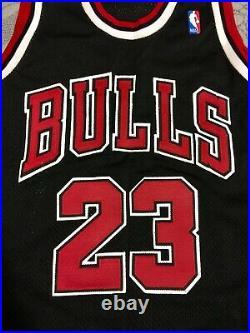 100% AUTHENTIC VINTAGE Michael Jordan Nike Bulls 97-98 Jersey Last Dance