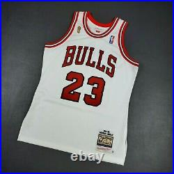 100% Authentic Michael Jordan Mitchell Ness 95 96 Finals Bulls Jersey Size 40 M
