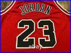 Authentic NIKE Chicago Bulls #23 MICHAEL JORDAN Jersey Size 48 XL LAST DANCE