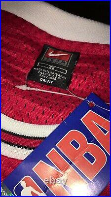 Limited Authentic Michael Jordan Jersey Nba Finals 97-98 (still has the Tag)