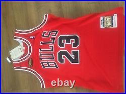 MICHAEL JORDAN Chicago Bulls 1997-98 NBA FINALS Authentic MITCHELL & NESS Jersey
