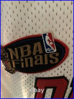 Michael Jordan 1997-98 Chicago Bulls NBA Finals Nike Authentic Jersey Size 50