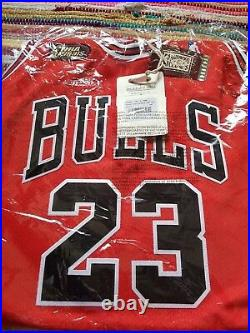 Michael Jordan Mitchell & Ness 97 98 Finals Jersey Size 2XL 52 Red 100%Authentic