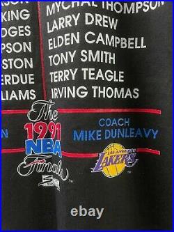 Vintage 1991 NBA Finals Lakers Vs. Bulls Michael Jordan Magic Johnson T-Shirt Si
