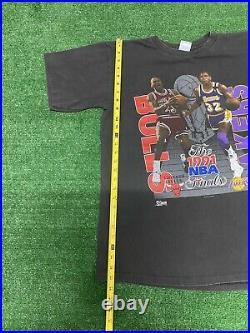 Vintage 1991 NBA Finals Michael Jordan Magic Johnson T Shirt L Bulls Lakers