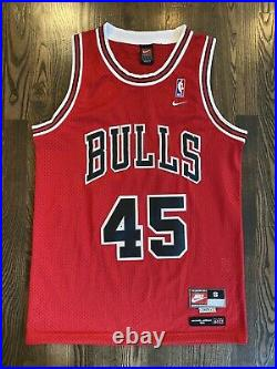 Vintage NIKE 8403 Chicago Bulls #45 MICHAEL JORDAN Red Jersey Small S Last Dance